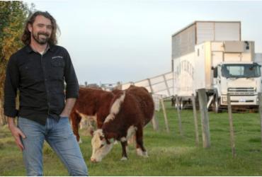 Startup cria abatedouro móvel para processar carne nas fazendas