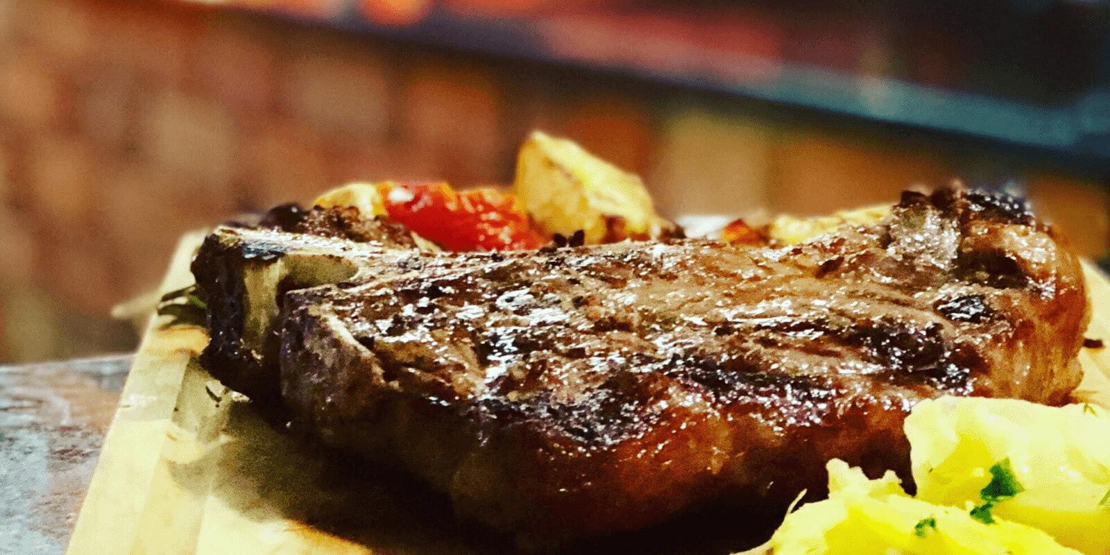 Comer carne ajuda no processo de emagrecimento?